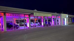 Autohaus_Max_Schulz_Außenbeleuchtung_Kronach_Leuchtet